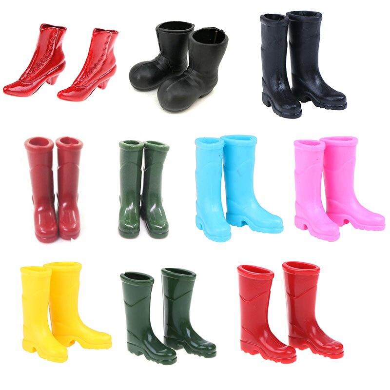 1 par 1/12 escala dollhouse miniatura botas de chuva borracha salto alto sandálias casa jardim quintal decoração