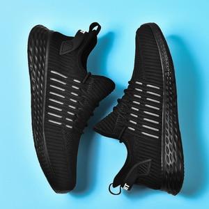 Image 4 - Zapatillas de deporte blancas para Hombre, zapatos informales ligeros, planos, transpirables, cómodos, 39 47