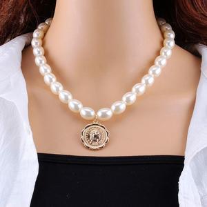 KMVEXO Fashion Schichten Perlen Porträt Münze Anhänger Halsketten Für Frauen Gold Metall Schlange Kette Halskette Neue Hochzeit Schmuck Geschenk