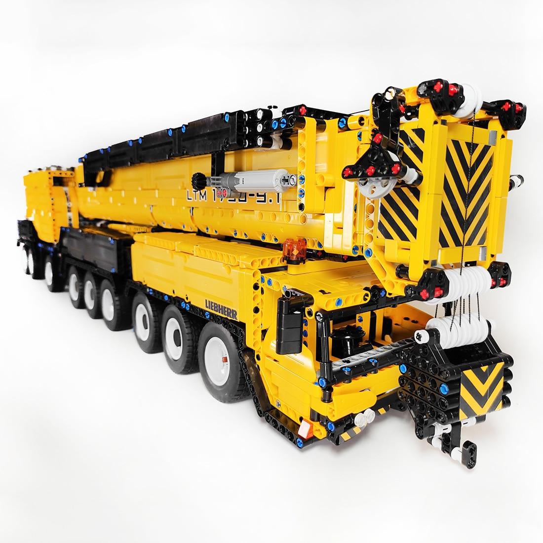 7668Pcs DIY Moc Small Particles 1:20 2.4G RC Mobile All-terrain Crane LTM1750-9.1 Building Blocks Construction Vehicle Kit