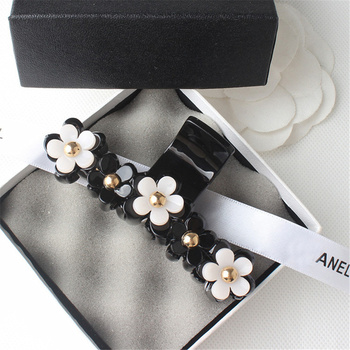black large plastic hair claws hair clips simple New Korea Style Exquisite Black White Flowers Adornment Large Size Hair Claws Women Daily Hair Clips Crabs Hair Accessories