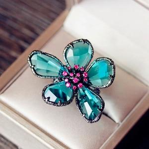 Image 2 - W stylu Vintage czarny pistolet malachit zielony Super duży naśladować kryształy kwiat pierścień hiperbola fajne Punk Cocktail Party kobiety biżuteria prezenty