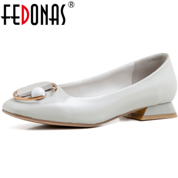FEDONAS New 2020 Square Toe Women Metal And Pearl Decoration Party Pumps Patent Leather Summer Spring Square Heeled Shoes Woman
