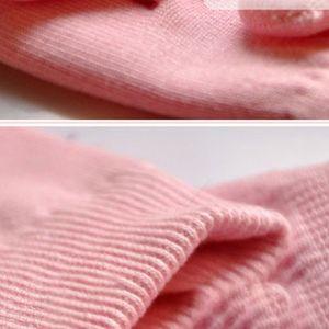 Image 4 - 1 זוג ג ל ספא לחות גרביים רך כותנה הלבנת פילינג רגל מסכת עור חלק טיפול יבש טיפול יופי ציוד
