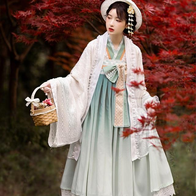 Фото японское платье лолиты кружевное с бантом и высокой талией + цена
