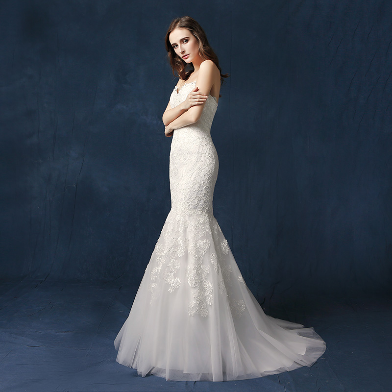 2019 A W Charming Lace Mermaid Wedding Dresses with Beading Sequined Tulle Sweetheart Zipper Back Button Bridal Gown SW077 in Wedding Dresses from Weddings Events