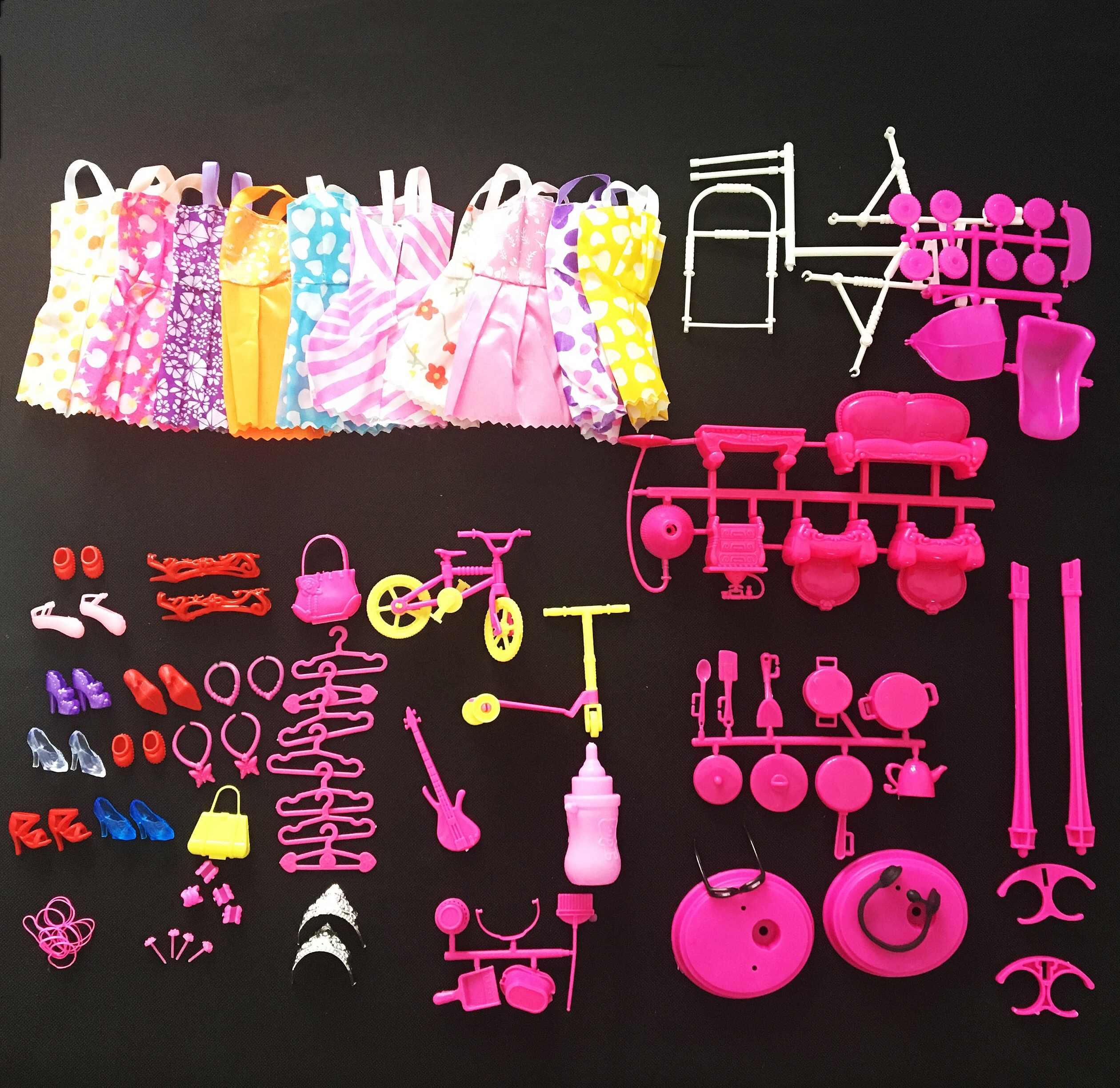 人形アクセサリー = 10 ミックスファッションかわいいドレス + 10 靴 + 6 ハンガー + 2 ステント + トロリー台所用品ソファクリーニングセット