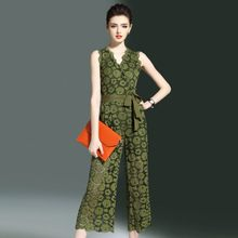 Nieuwe Collectie Zomer Vrouwen Jumpsuits Fashion Hollow Out Bloemen Kant Wijde Pijpen Jumpsuits Elegant Slim Fit Mouwloze Vrouwen Rompertjes(China)