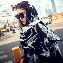 2019  Europe and the small chaddar LM scarf jacquard tassel stole swallow qiu dong day warm