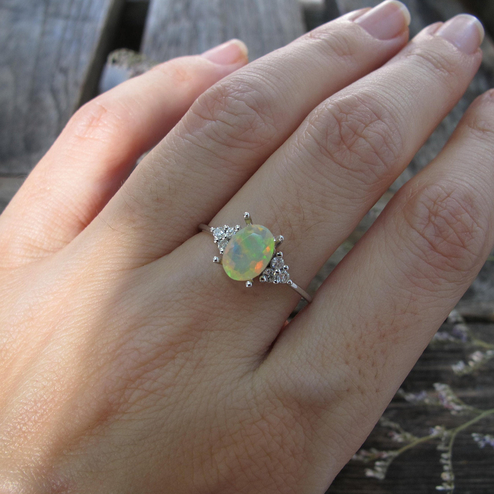Oval 0.54ct Opal Simulation Engagement Rings Women Silver Crystal Zircon Promise Ring for Her Anniversary Jewelry