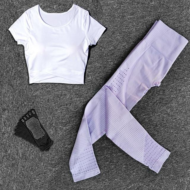 Women Yoga Set Seamless Sport Pants Shirts Gym Set Fitness Clothing Chest Pad Sportswear Running Leggings Yoga Socks Suits
