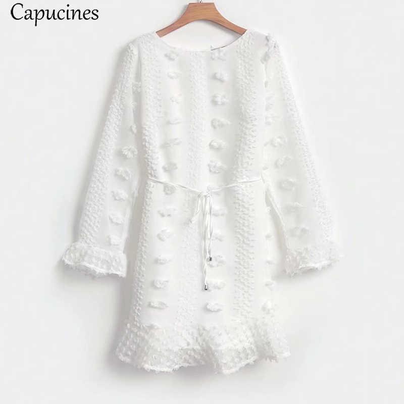 Capucines Boho fleur broderie noir blanc robes femmes à manches longues volants une ligne automne robe Sexy courte plage robe de soleil