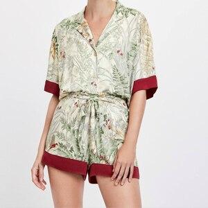 Image 1 - Женские атласные пижамы с коротким рукавом, летние шорты с принтом и воротником стойкой, пижама для дома