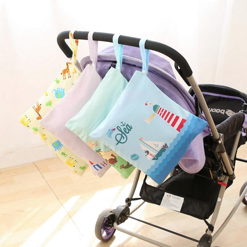 Newborn Waterproof Wet/Dry Diaper Bag with Zippered Baby Cartoon Animal Reusable Pocket Travel Nappy Storage Bag
