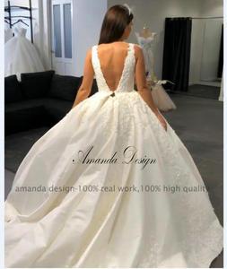 Image 3 - Amanda Disegno robe de mariage 2019 Del Manicotto Della Protezione Del Merletto Appliques Aperto Indietro Abito Da Sposa