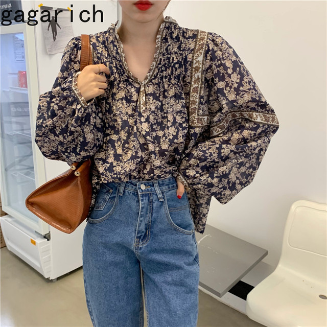 Gagarich Women Shirts 2021 Spring Autumn Korean Vintage Elegant Female Lantern Sleeve V-Neck Flower Printed Design Blouses 1