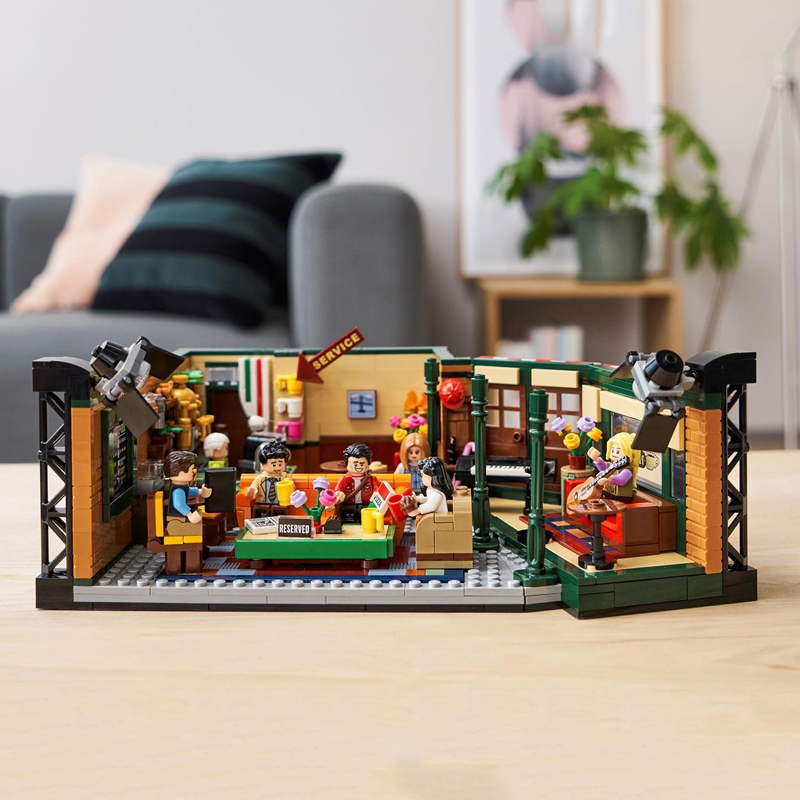 In Stock Lepining Friends Classic TV American Drama Friends Central Perk Cafe Fit Model Building Block Bricks 21319 Toy Gift