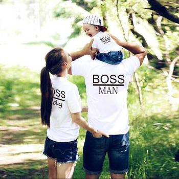 Jednakowe stroje rodzinne mamusia tatuś dzieciak syn koszulka dziecięca ubrania rodzinne dla mamy i córki koszulka dziecięca list drukuj stroje wygląd koszulka rodzinna tanie i dobre opinie CN (pochodzenie) Koszulki Na co dzień Krótki Pasuje prawda na wymiar weź swój normalny rozmiar COTTON Matka Ojciec Dzieciak