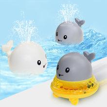 QWZ bebek banyo oyuncakları sprey su duş yüzme havuzu banyo elektrikli balina banyo topu hafif müzik ile LED ışık oyuncaklar çocuklar için hediye