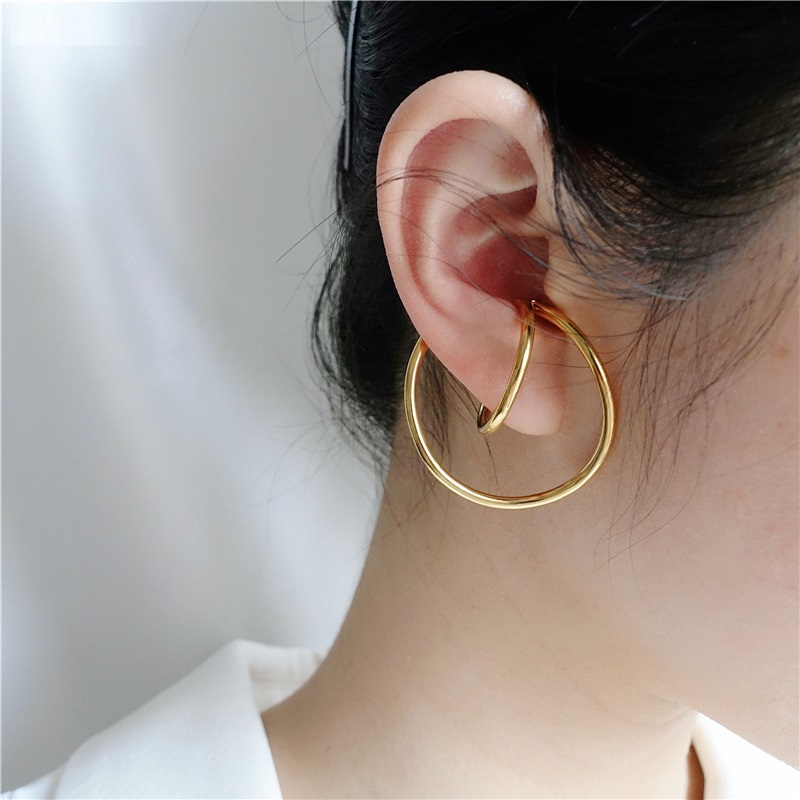 AOMU New Design Trend Simple Pearl Metal Geometric Distortion Irregular Curve Ear Clip for Women Girl Party No Pierced Earrings
