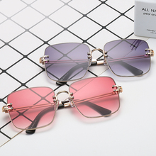Classic Square Sunglasses Women Men Retro Brand Designer Metal Frame Oversized Sun Glasses Female Travel Driving
