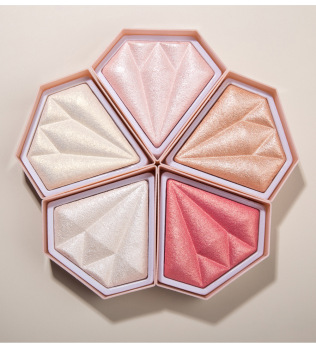Diamond highlight powder to brighten skin tone volume glitter nose shadow modified contour three-dimensional brighten highlights