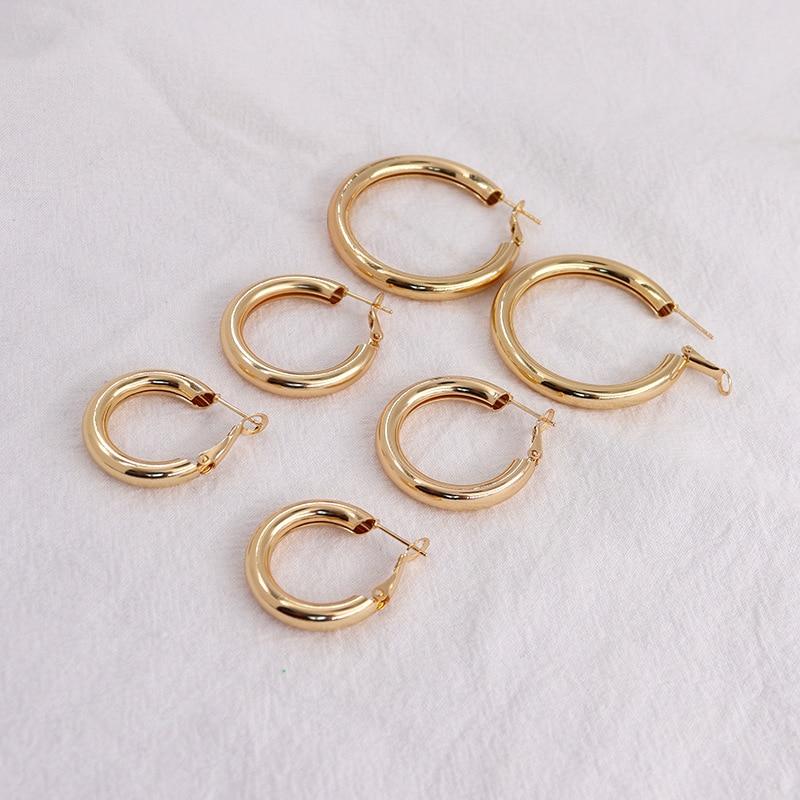 Женские серьги-кольца AOMU в стиле ретро, простые круглые ювелирные украшения золотого цвета с геометрическим дизайном, маленькие и большие к...