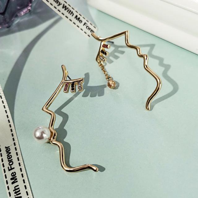 Women Earrings Korean Fashion Gold Color Alloy Face Dangle Earrings