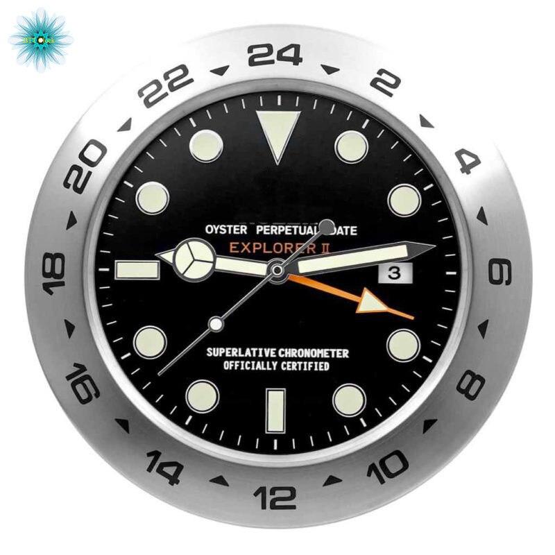 Horloge murale en métal de luxe sur le mur horloge murale créative
