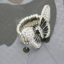 Fashion Woman Butterfly Rings Elastic Stretchable Finger Ring Vintage Rhinestone Jewelry Lover Gift(China)