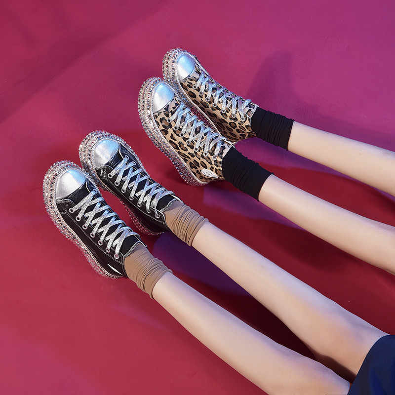 Tênis alto estampa de oncinha feminino, calçado feminino lona com cadarço mulher
