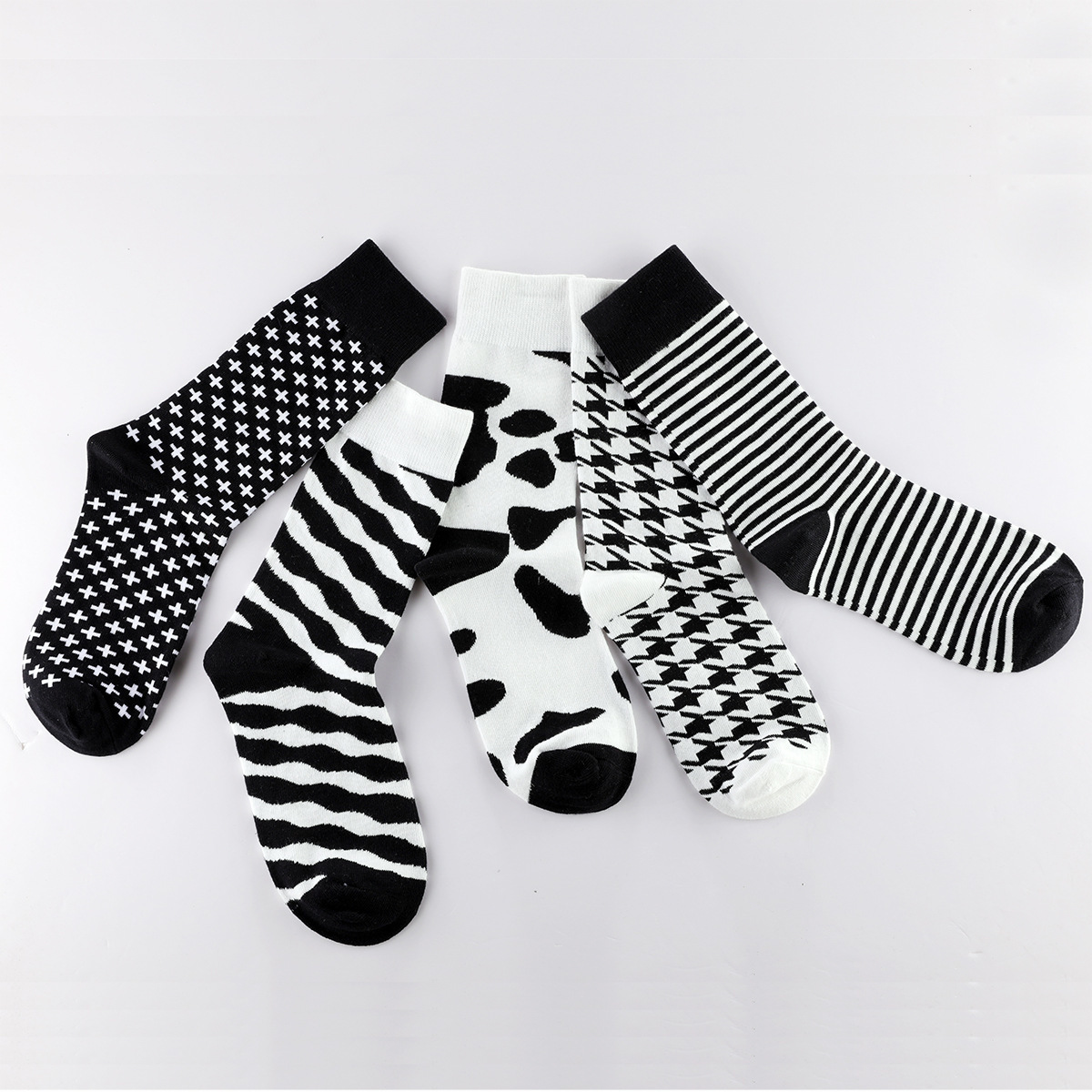 Vintage Harajuku Men Socks Classic Black White Striped Plaid Printed Socks Geometric Hip Hop Cotton Streetwear Novelty Socks