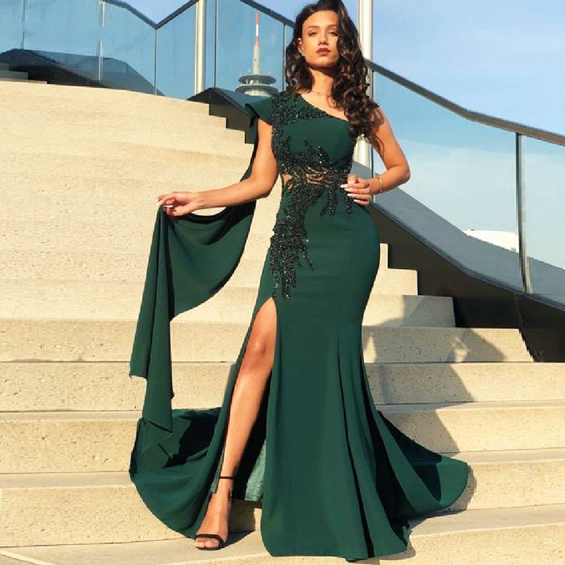 Arabic Evening Dresses 2020 One Shoulder Beaded with Rhinestones Side Split Cape Sleeves Green Dubai Prom Gown Formal Party