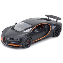 цена на Bburago 1:18 Bugatti Chiron Sports Black Static Die Cast Vehicles Collectible Model Car Toys