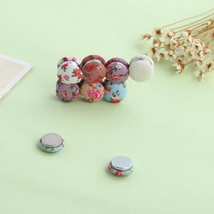 Image 3 - Fashion Muslim Abaya Floral Cloth Craft Pin Khimar Magnetic Hijab Scarf Magnet Pin Strong Magnet Brooch