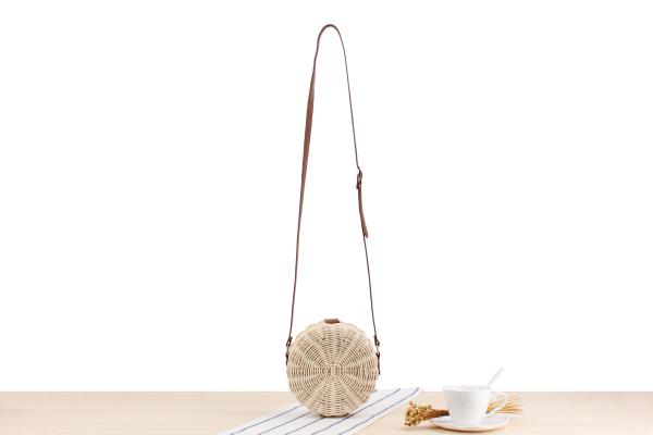 Fashion Straw Circle Bags with Leather Shoulder Strap for Summer 2021