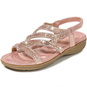 Image 1 - 2019 Yaz Bohemian Kadın Sandalet Rahat Kama Düz Sandalet Kadın Lüks Rhinestones Büyük Boy Plaj kadın ayakkabısı Yeni