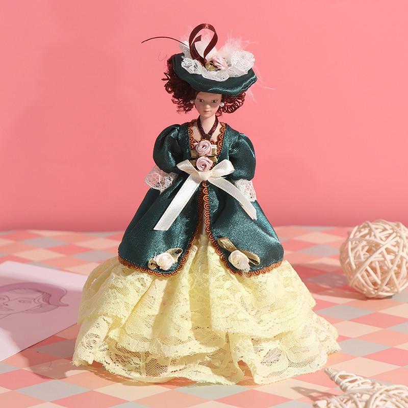 Schöne Miniatur Porzellan Puppen Viktorianischen Dame Grün Kleid Fräulein Dame 1:12 Puppenhaus