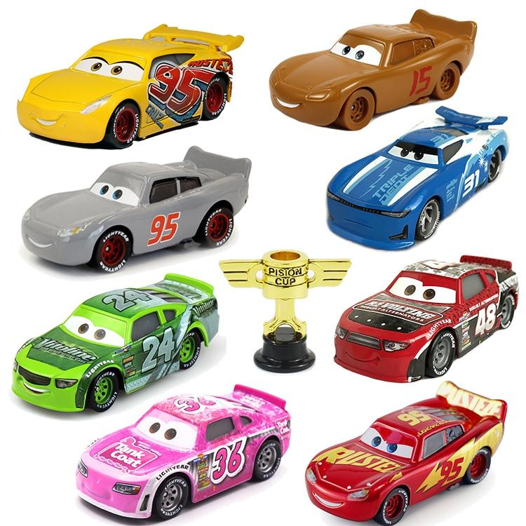 Disney Pixar arabalar 2 arabalar 3 No.95 yıldırım McQueen malzeme Jackson fırtına Ramirez araç Metal alaşım erkek çocuk oyuncakları noel hediyesi