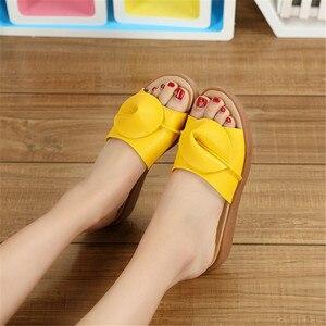 Image 5 - BEYARNE damskie sandały klapki japonki modne sandały na platformie skórzane Wedeges kapcie obcasy kapcie plażowe slajdy buty