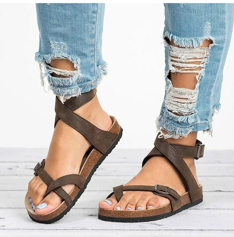 Women Leather Flat Sandals Casual Leather Flip Flop Beach Shoes Belt Buckle Rome Style Summer Sandals Ladies 2019 New