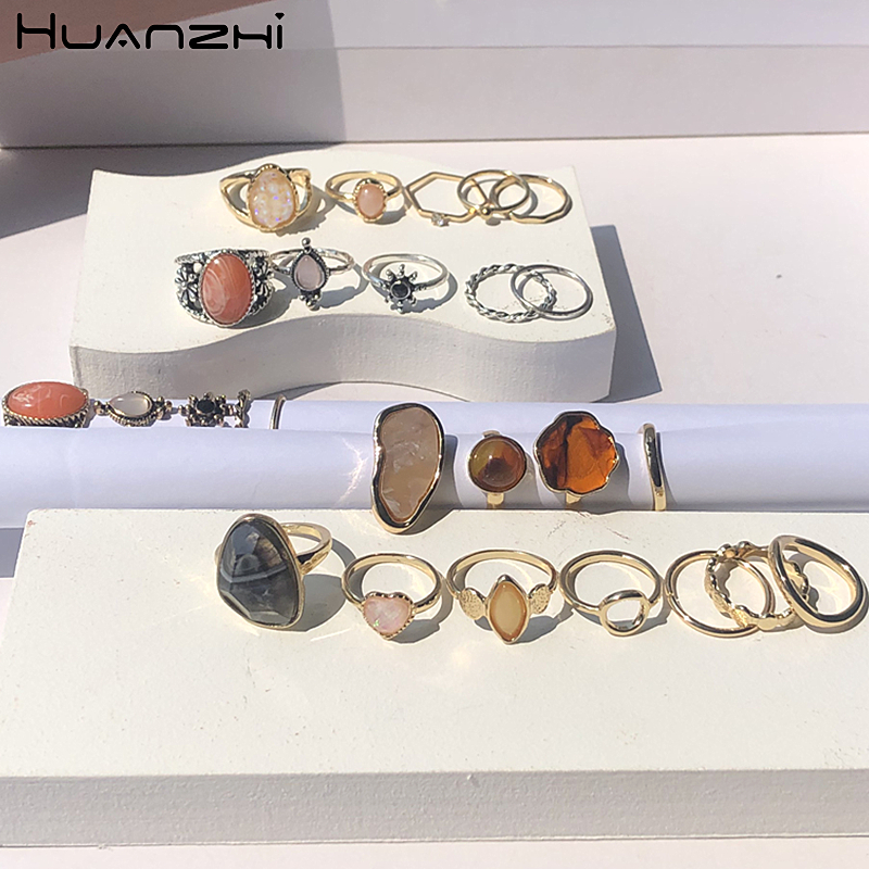 HUANZHI 2020 New Vintage Colorful Stone Daisy Marble Leopard Metal Set Finger Ring Sequins Heart Joint Ring for Women Girl Party