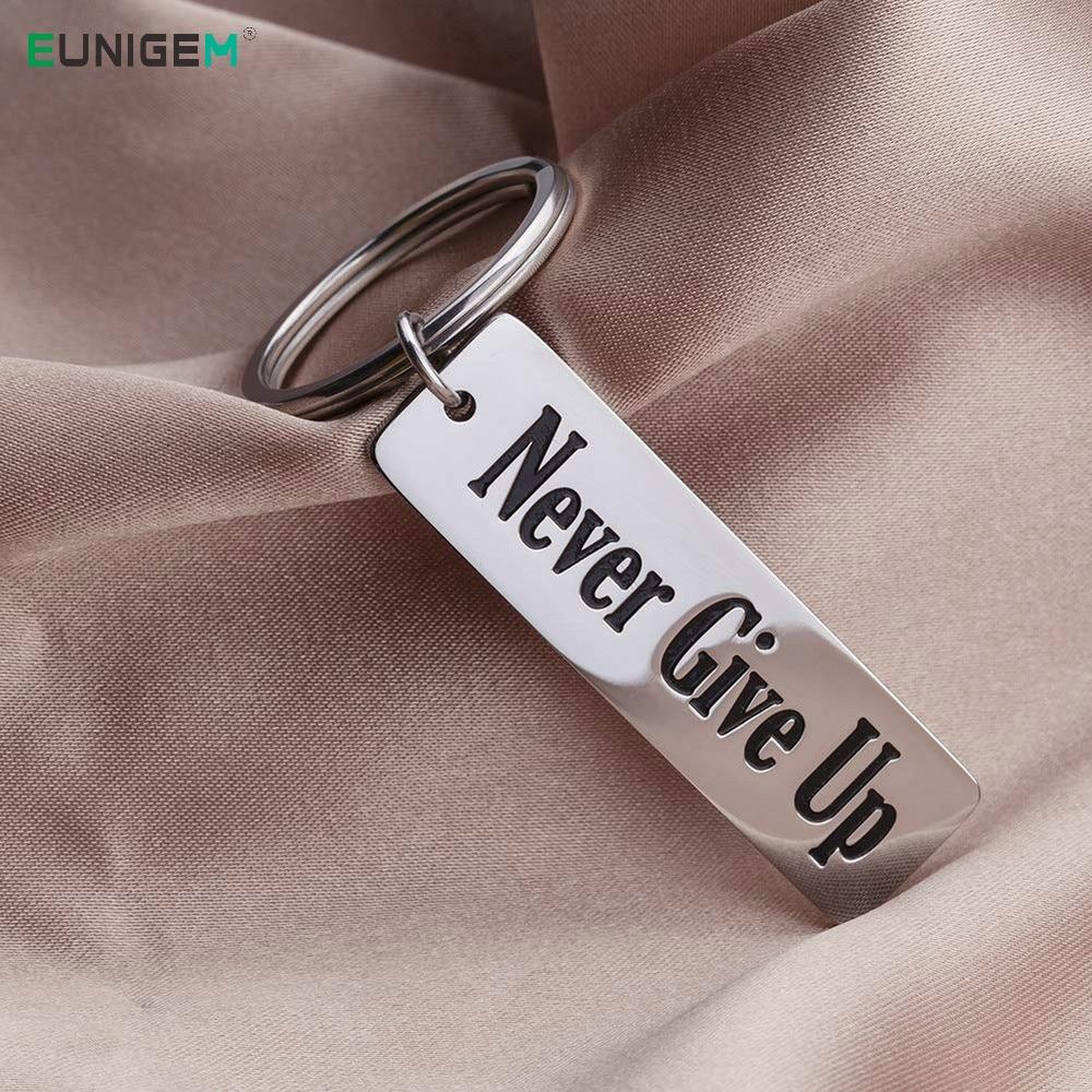 Never Give Up Keychain Gifts for Best Friend Him Her Teen Girls Boys Women Men Girlfriend Boyfriend Pendant Inspirational Gifts
