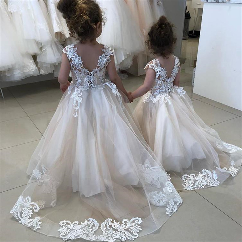 Lace Appliques Flower Girl Dresses For Weddings New Communion Dresses For Girls Champagne O-neck Sleeveless Ball Gown