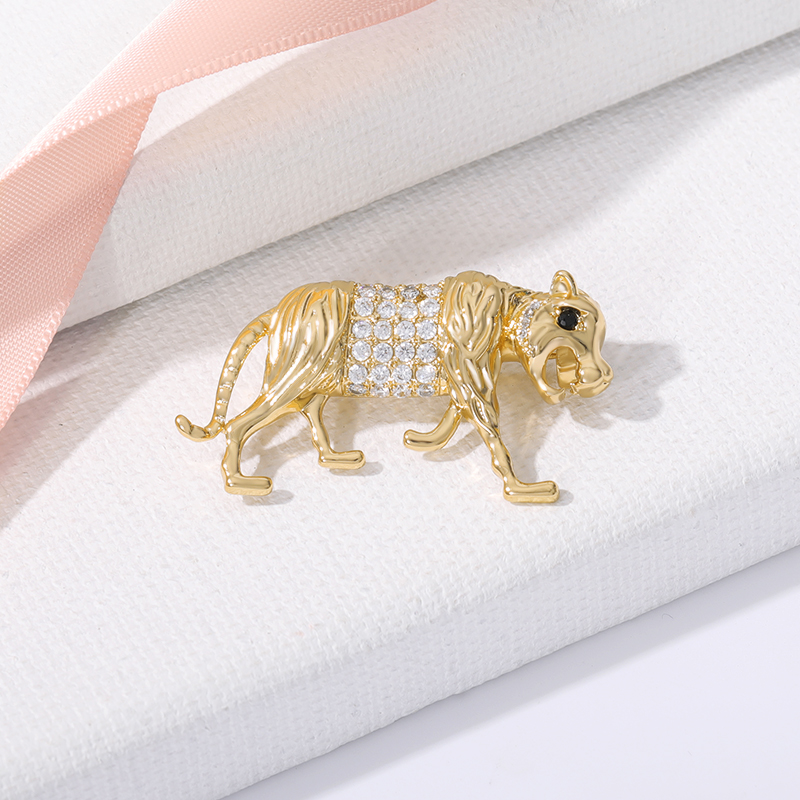 Zircon And Crystal Inlaid Pearl Brooch Gol Plated Copper Style Fine Lion Brooch Pin For Women Jewelry