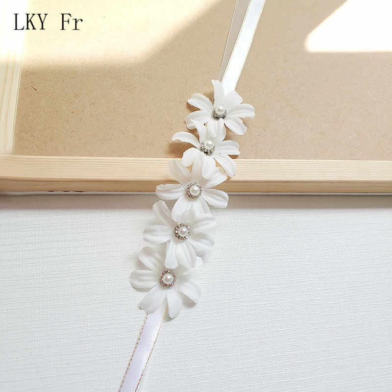 Lky FR Wrist Korsase Bridesmaid Pernikahan Gelang untuk Pengantin Putih Biru Sutra Bunga Pergelangan Tangan Korsase Gelang Pernikahan Aksesoris