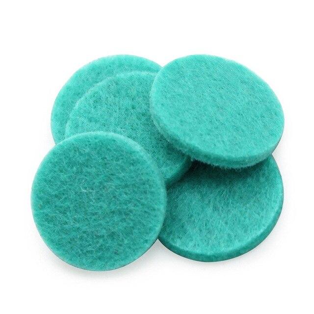 10 unids/lote de aceite esencial redondo de algodón de 22MM de diámetro. Almohadillas de fieltro para 30mm difusor de perfume medallón almohadilla para colgante