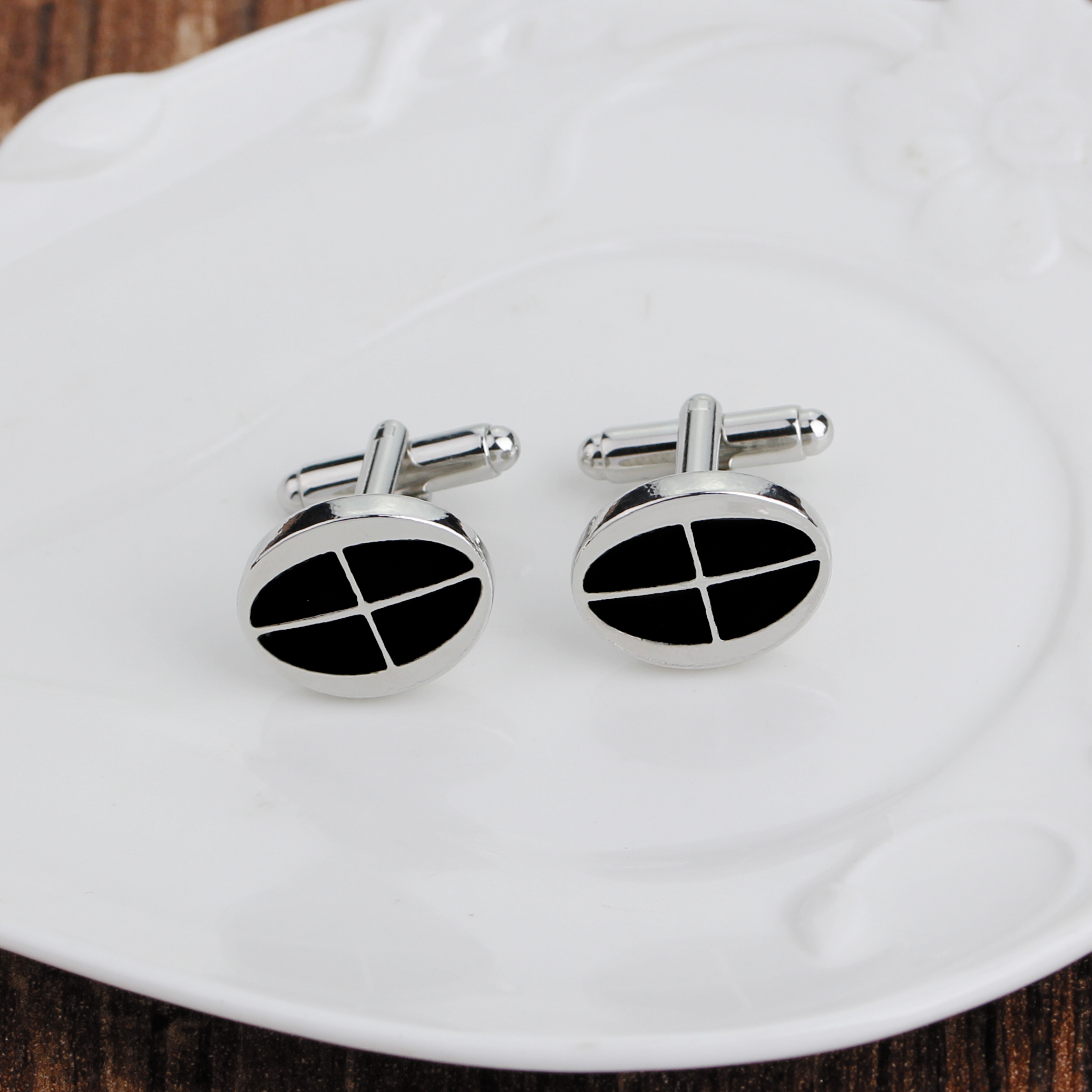 black enamel oval cuff link ellipse cufflink simple causal black button for French shirt fashion man cufflinks gift for Business in Tie Clips Cufflinks from Jewelry Accessories