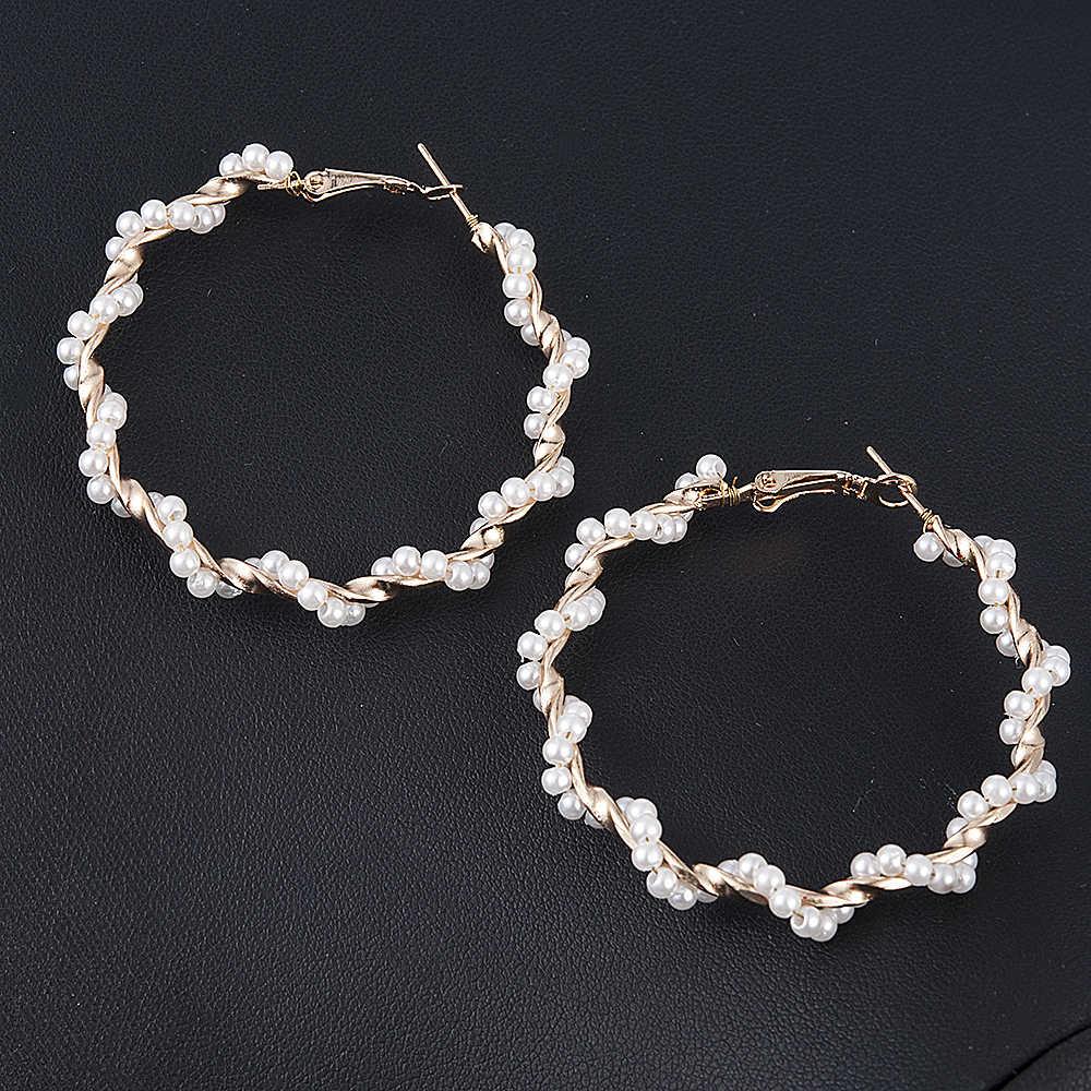 Élégant à la mode créé grand rond simulé perle longues boucles d'oreilles perles chaîne déclaration boucles d'oreilles pour cadeau de fête de mariage