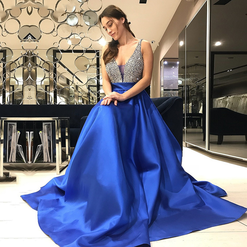 Royal Blue Long Prom Dress with Beading Crystal Formal Gown Gorgeous A Line Satin V Neck Evening Dresses Party Graduation